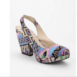 Platform Aztec print Slingback Wedge Heel Sz 6